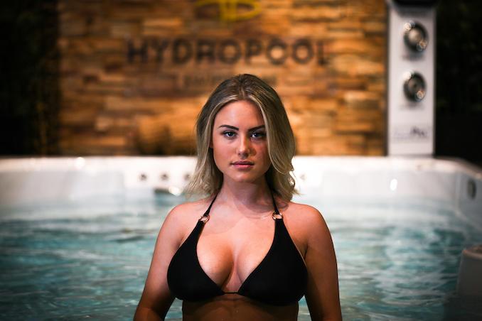 Maria Flo - Hot Tub made